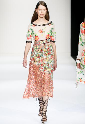https://cf.ltkcdn.net/womens-fashion/images/slide/199485-580x850-romantic99_floralcrop.jpg