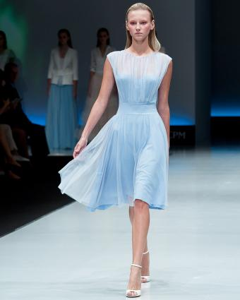 https://cf.ltkcdn.net/womens-fashion/images/slide/199623-680x850-spring8_teacrop.jpg