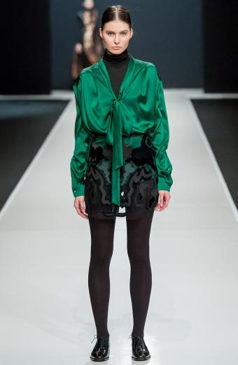 https://cf.ltkcdn.net/womens-fashion/images/slide/200020-556x850-winter05_turtleneckcrop.jpg