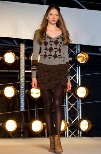 https://cf.ltkcdn.net/womens-fashion/images/slide/200021-556x850-winter06_workcrop.jpg