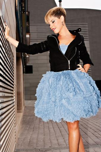 https://cf.ltkcdn.net/womens-fashion/images/slide/200072-567x850-black-jacket-ruffles.jpg