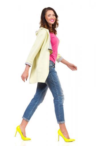 https://cf.ltkcdn.net/womens-fashion/images/slide/200085-567x850-pink-and-yellow-fashion.jpg