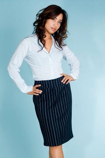 https://cf.ltkcdn.net/womens-fashion/images/slide/200091-567x850-striped-suit.jpg