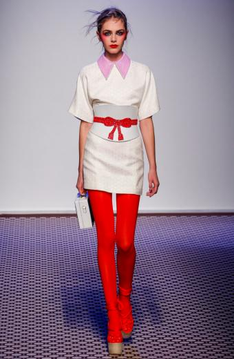https://cf.ltkcdn.net/womens-fashion/images/slide/200521-556x850-tights3.jpg