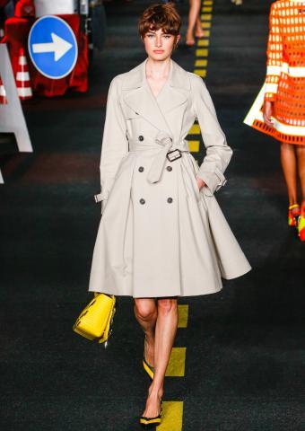 https://cf.ltkcdn.net/womens-fashion/images/slide/201373-602x850-trenchcoat.jpg