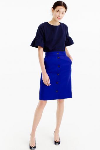 https://cf.ltkcdn.net/womens-fashion/images/slide/202785-566x850-button-front-skirt-double-serge-wool.jpg