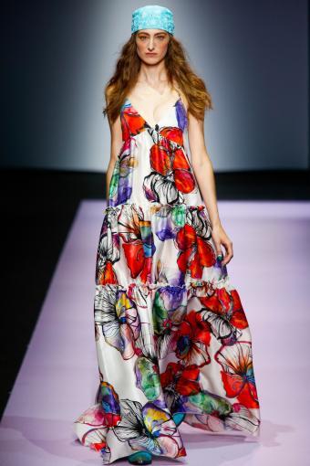 https://cf.ltkcdn.net/womens-fashion/images/slide/202808-567x850-sundress04.jpg