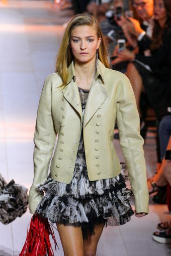 https://cf.ltkcdn.net/womens-fashion/images/slide/202820-567x850-coat02.jpg