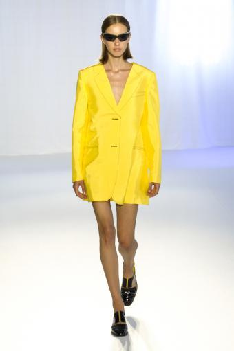 https://cf.ltkcdn.net/womens-fashion/images/slide/202828-566x850-coat08.jpg