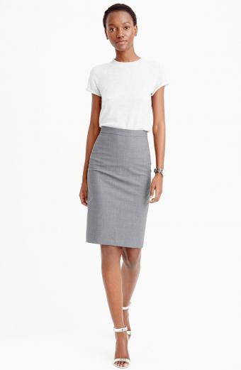 https://cf.ltkcdn.net/womens-fashion/images/slide/207038-555x850-Pencil-Skirt.jpg