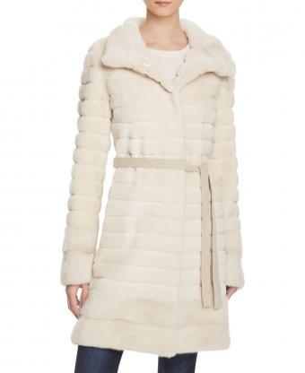 https://cf.ltkcdn.net/womens-fashion/images/slide/207123-695x850-Maximilian-Furs-Mink-Fur.jpg