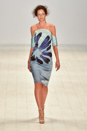 https://cf.ltkcdn.net/womens-fashion/images/slide/216596-467x700-springpainterly.jpg