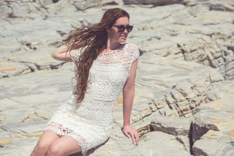 https://cf.ltkcdn.net/womens-fashion/images/slide/217140-850x567-lacesummerdress.jpg