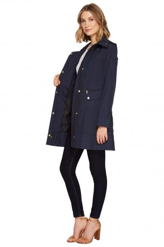https://cf.ltkcdn.net/womens-fashion/images/slide/217149-567x850-zapposraincoat.jpg