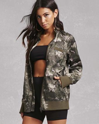 https://cf.ltkcdn.net/womens-fashion/images/slide/217301-680x850-camobomber.jpg