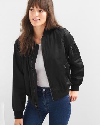 https://cf.ltkcdn.net/womens-fashion/images/slide/217303-680x850-blackbomberjacket.jpg