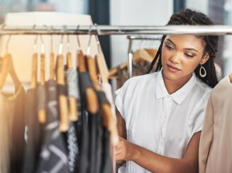 How to Choose the Right Clothing for a Gift