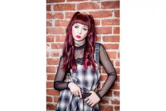 https://cf.ltkcdn.net/womens-fashion/images/slide/223660-704x469-plaid-dress.jpg