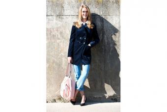 https://cf.ltkcdn.net/womens-fashion/images/slide/223663-704x469-velvet-blazer.jpg