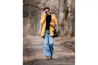 https://cf.ltkcdn.net/womens-fashion/images/slide/223669-704x469-baggy-jeans.jpg