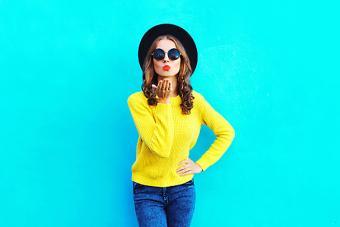 https://cf.ltkcdn.net/womens-fashion/images/slide/223675-704x469-bright-color-fashion.jpg