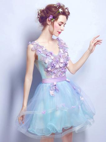 https://cf.ltkcdn.net/womens-fashion/images/slide/224032-638x850-3dflowerdress2.jpg