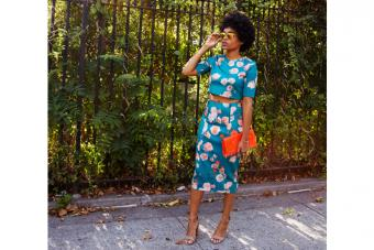 https://cf.ltkcdn.net/womens-fashion/images/slide/224510-704x469-cropped-shirt-and-skirt-set.jpg