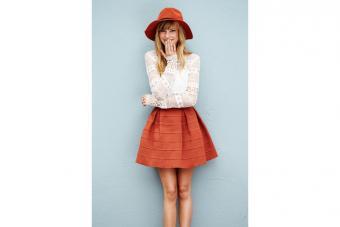 https://cf.ltkcdn.net/womens-fashion/images/slide/224512-704x469-a-line-skirt-lace-top-and-a-hat.jpg
