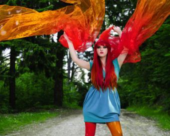 https://cf.ltkcdn.net/womens-fashion/images/slide/225841-850x680-futuristicleggings.jpg