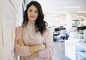 https://cf.ltkcdn.net/womens-fashion/images/slide/253661-850x595-10_Casual_businesswoman.jpg