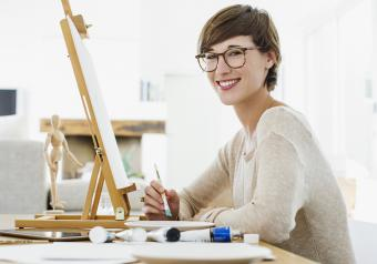 https://cf.ltkcdn.net/womens-fashion/images/slide/253664-850x595-13_woman_artist.jpg