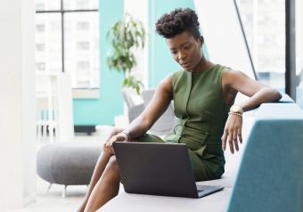 https://cf.ltkcdn.net/womens-fashion/images/slide/258428-850x595-2_Olive_green_dress.jpg