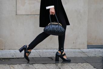 How to Wear Leggings Under a Dress