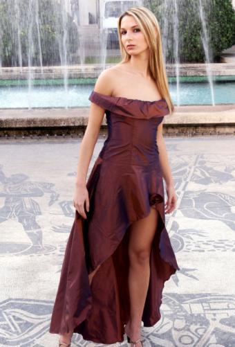 https://cf.ltkcdn.net/womens-fashion/images/slide/49538-571x841-avant-garde3.jpg