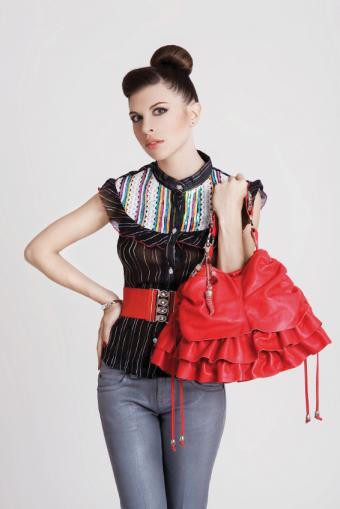 https://cf.ltkcdn.net/womens-fashion/images/slide/49542-566x848-avant-garde7.jpg