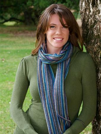 https://cf.ltkcdn.net/womens-fashion/images/slide/49579-566x747-fashion-scarf5.jpg