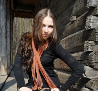 https://cf.ltkcdn.net/womens-fashion/images/slide/49581-580x535-fashion-scarf8.jpg