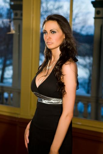 https://cf.ltkcdn.net/womens-fashion/images/slide/49596-566x848-dress2.jpg