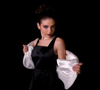https://cf.ltkcdn.net/womens-fashion/images/slide/49599-730x658-dress5.jpg