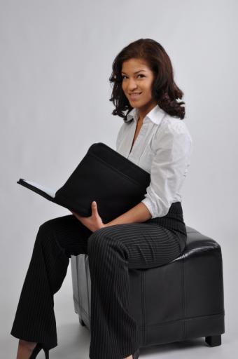 https://cf.ltkcdn.net/womens-fashion/images/slide/49648-565x850-iStock_000008712278Small.jpg