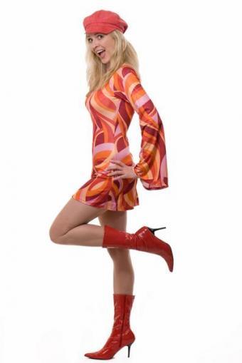 https://cf.ltkcdn.net/womens-fashion/images/slide/49657-397x594-Mod-Dress-Boots.jpg