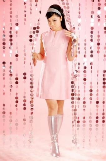 https://cf.ltkcdn.net/womens-fashion/images/slide/49663-393x600-Pink-Dress.jpg
