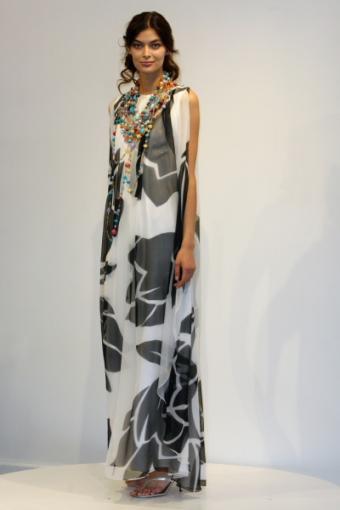 https://cf.ltkcdn.net/womens-fashion/images/slide/49763-400x600-black-and-white8.jpg