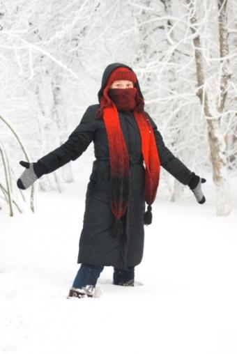 https://cf.ltkcdn.net/womens-fashion/images/slide/49910-397x593-Scarves_5.jpg