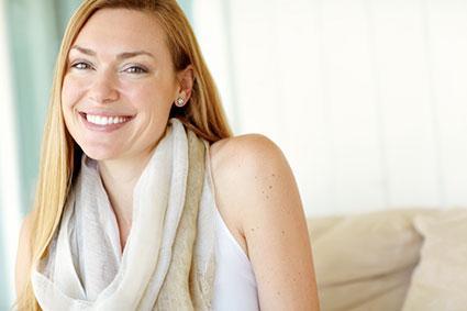 woman wearing infinity circle scarf