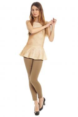 Monochromatic leggings and top