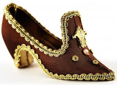 Royal shoe