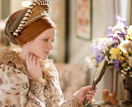 Elizabethan woman