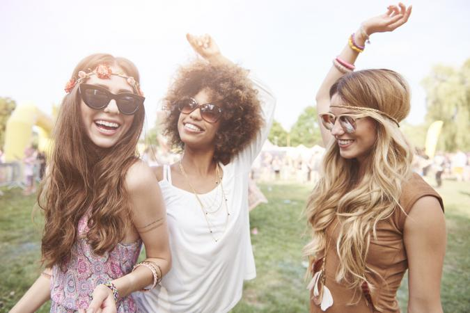 girls at summer festival