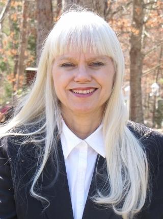 Donna Cosmato